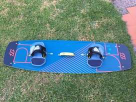 Tabla kitesurf North X Ride 138x 41 2017. Impecable