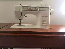 Máquina de coser con mueble