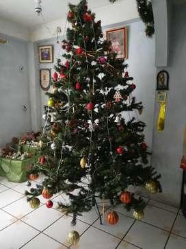 Arbol de Navidad con Accesorios, poco uso.