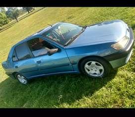 Peugeot 306 año 97 motor 1.8 naftero anda de 10 , papeles al día con vtb sin deuda se va transferido!!