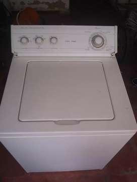 Buenas tardes vendo hermosa lavadora Whirlpool américa