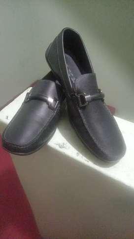 Vendo lindo calzado bosi  para caballero