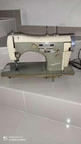 Máquina de Coser NECCHI