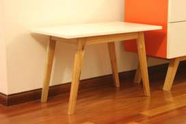 Mesa ratona estilo nórdico escandinavo