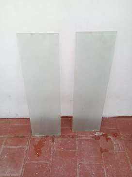 Dos vidrios para ventana o puerta