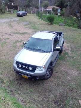 VENDO camioneta Ford F150 año 2006  4x4