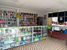 Se vende negocio de accesorios y servicio tecnico de celulares