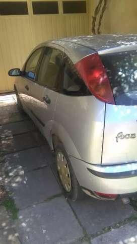 Se vende hermoso ford focus. Papeles al dia. Cualquier consulta whatssap