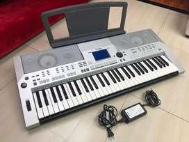 organeta piano yamaha psr s500, como nueva