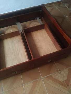 Se vende cama madera flor morado