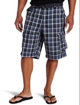 Short Calvin Klein Jeans. Talla 44