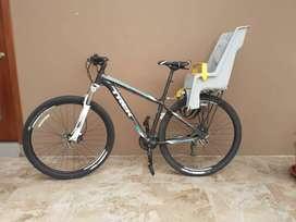 Bicicleta TREK - cuadro 17, componentes shimano