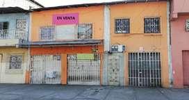 VENDO CASA CON SUIT Y DOS LOCALES AL SUROESTE - I. ALARCÓN