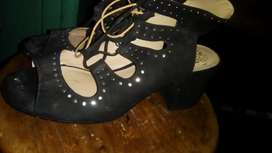 tacones talla 39 color negro
