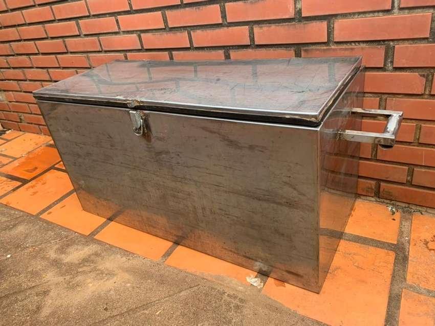 Caja de acero inoxidable para camioneta 0