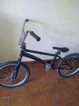 bicicleta BMX rodado 20, bici en buen estado, escucho ofertas