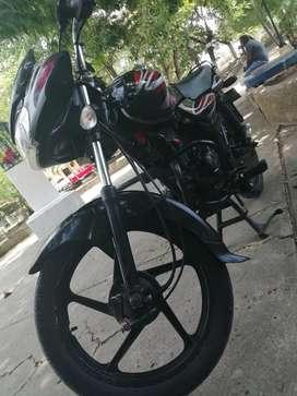 Se vende moto discory 100