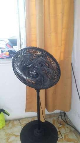 Se vende ventilador en muy buen estado