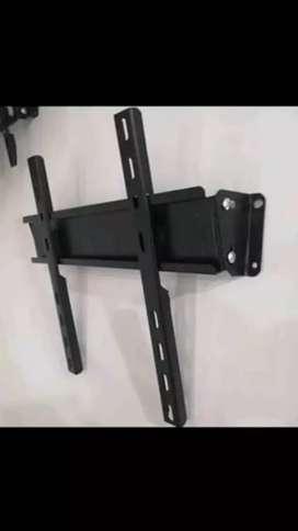 Se instalan bases fijas de brazo y movibles para televisores