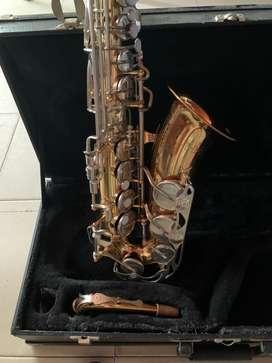 Saxofon alto marca vito