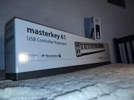 Acorn Masterkey 61 + Pedal Sustain Cherub