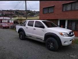Vendo Toyota Hilux 4x2 turbo diesel