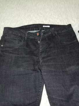 vendo jean importados talla 32 negro poco uso