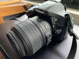Nikon D5200 en excelente estado usada