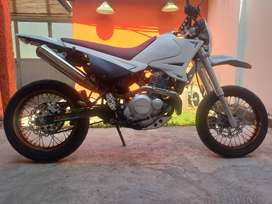 BETA MOTARD 250 CC - 15000 KM