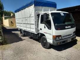 Vendo camión Isuzu. Modelo 2000