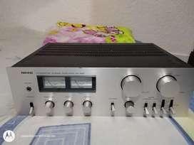 Amplificador japonés nikko