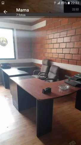 Alquilo amplia y cómoda oficina amoblanda  en Samanes 2