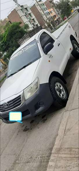 Toyota Hilux cab simple 4x4 2015