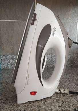 Plancha Oster. Steam Iron / Plancha de Vapor Modelo: 5002-012