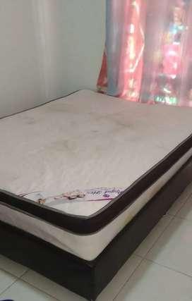 vendo cama base con colchon