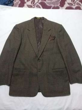 Saco Italiano Talle 46 con pañuelo de seda