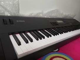 Vendo piano profesional Yamaha S90 en perfectas condiciones