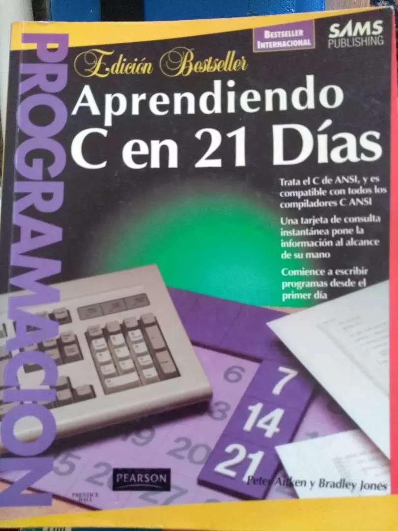 """""""Aprendiendo C en 21 días"""". Atken y Jones 0"""