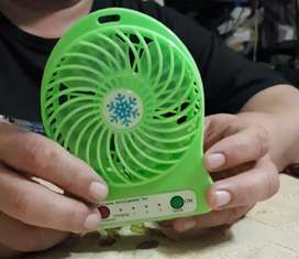 Mini Ventilador Portatil 3 Velocidades Recargable Usb Luz