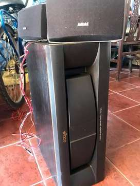PARLANTES Y SUBWOOFER