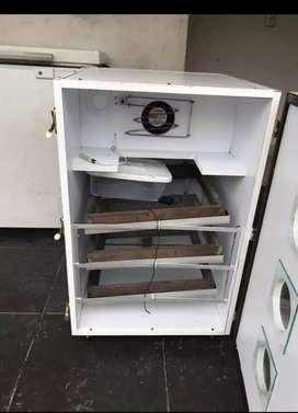 Incubadora para codorniz y gallina