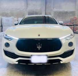 Maserati Levante Granlusso de lujo.