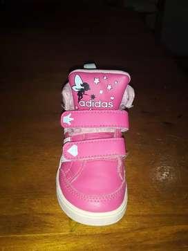 Vendo zapatillas nena