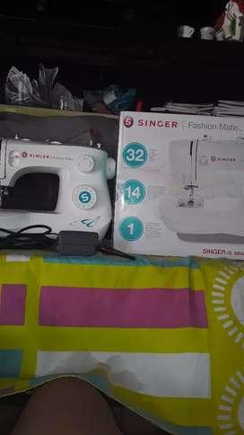 Se vende máquina de coser