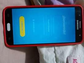 Se vende celular Samsung  J7 prime