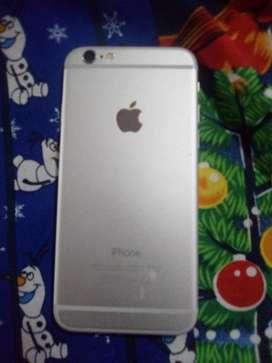Iphone 6 de 64 gb bateria al 80% con cagardor y funda anda de 10