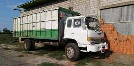 Camion Hino FF de urgencia