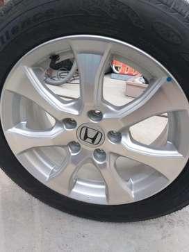 Cubierta Completa sin Rodar Honda Civic 2013 . Permuto