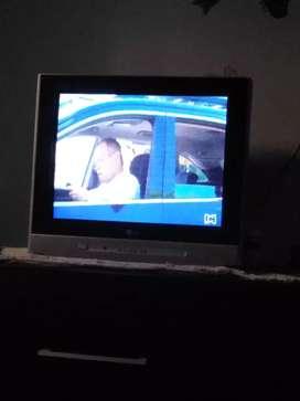 TV 21 pulgadas excelente estado  con su control aproveche uno como este no lo vas a encontrar