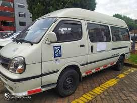 venpermuta microbus o van de pasajeros diesel 18 pasajeros
